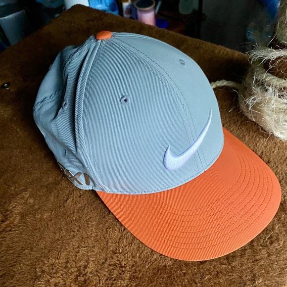 Super Nice Nike Golf 20XI VRS Hat!